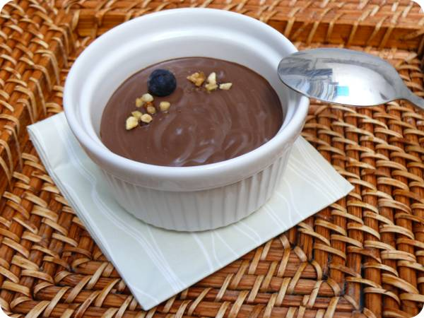 Mousse suau de xocolata i ametlla