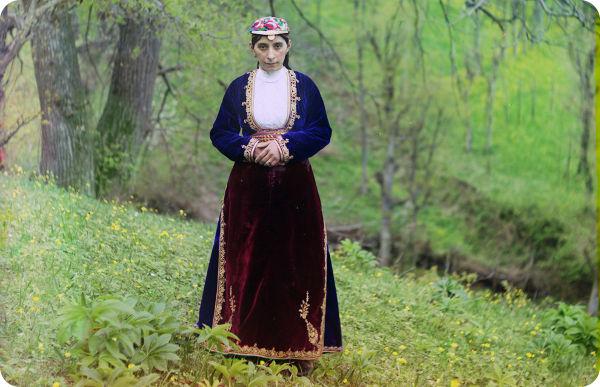 Dona armènia fotografiada per Prokudin-Gorskii (Library of Congress)